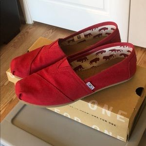 Tom's Classic Red Canvas Shoes - Very Gently Used